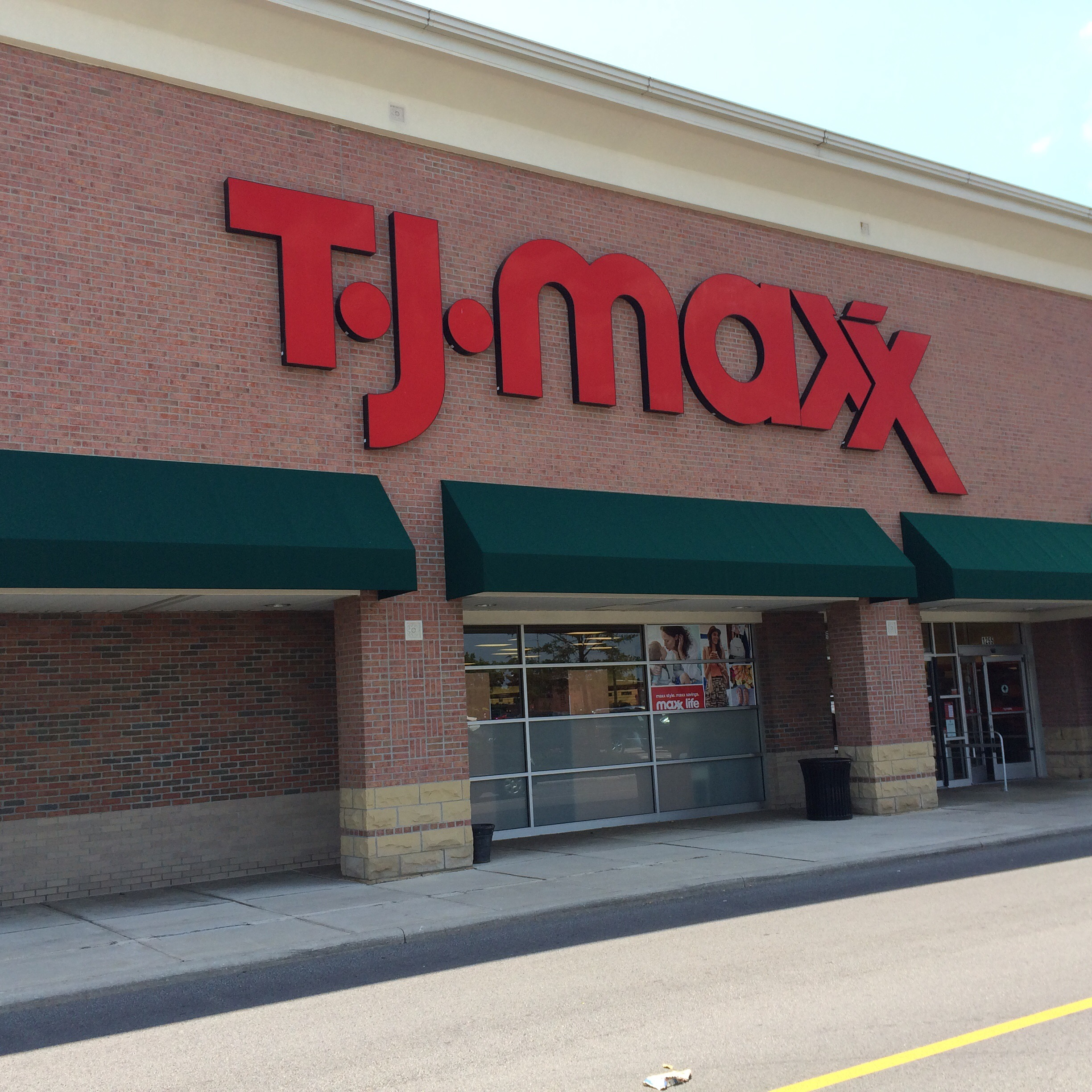 9a3a940d3d59be 10 Things You Need To Know Before Shopping TJMaxx