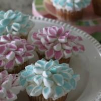 marshmallowflowercupcake2